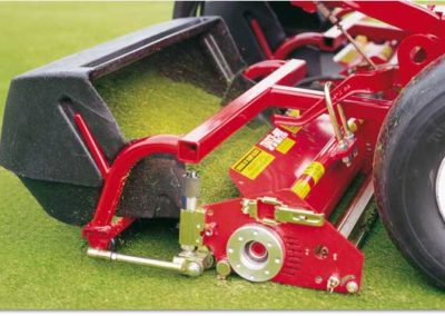 triplex_mower_cassette_removing_thatch